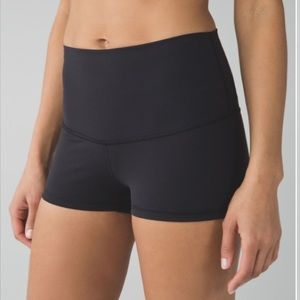 "Lululemon Boogie Short HR 2"" *Full-On Luon"